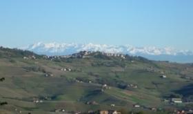 fotka_Monforte v pozadi Alpy